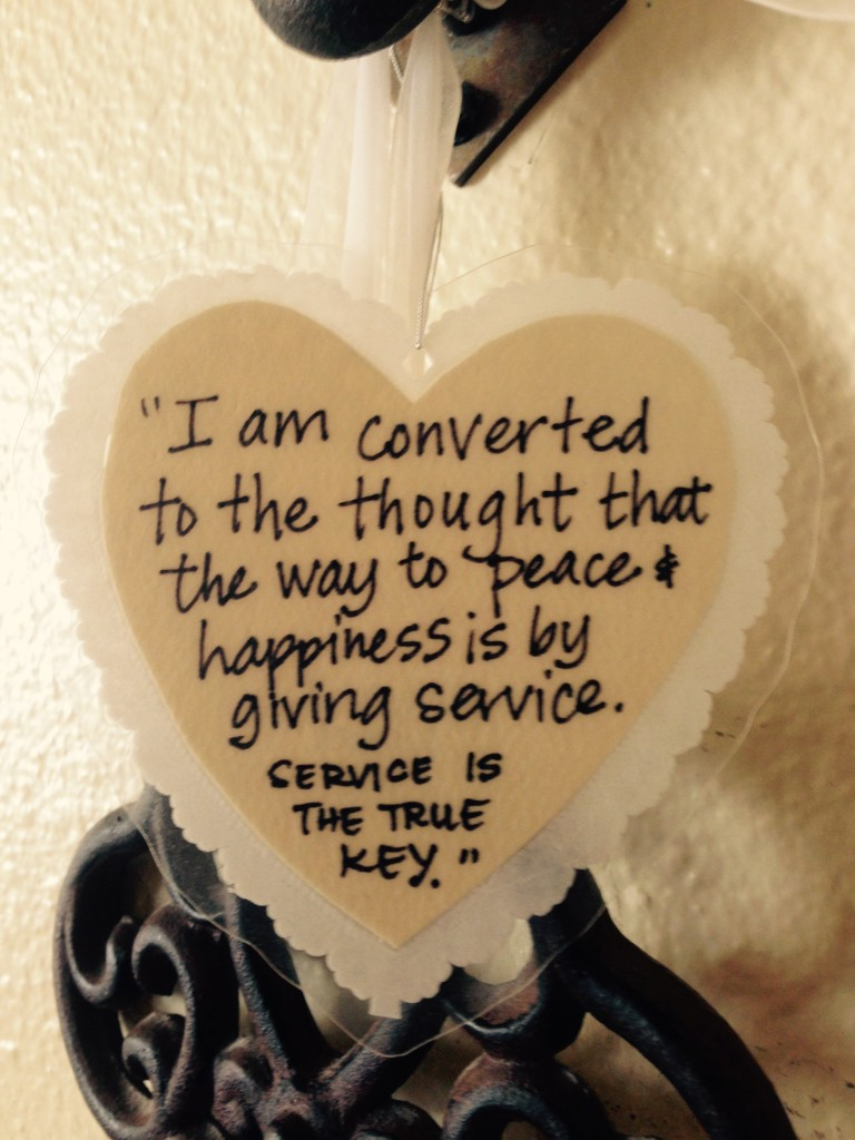 Service key to happiness quote heart