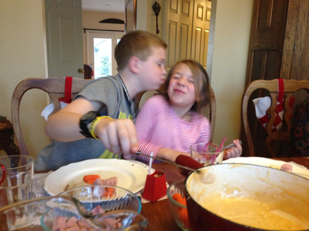 valentine's fondue kiss