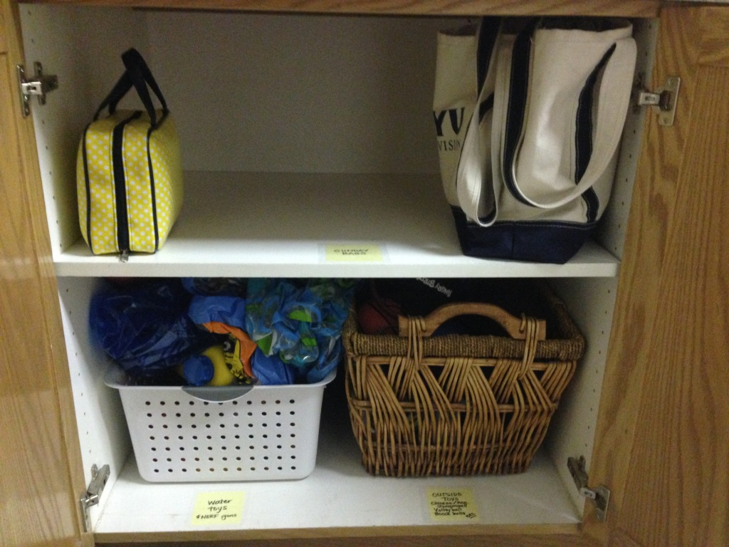Sunday bag cupboard
