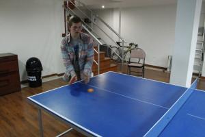 Elder Livi ping pong